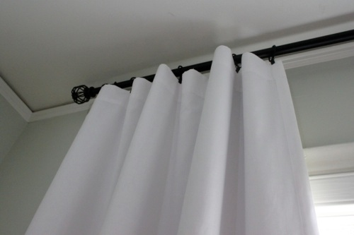 white_nursery_curtains2